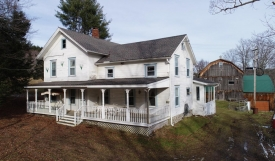 Catskills 1800s Farmhouse - Catskills Farmhouse on 140 Acres