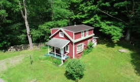 Old-School Charm - Former Schoolhouse turned Cozy Cottage!