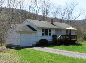 CATSKILL CUTIE! - Bordered by OVER 154 ACRES OF NYC LAND
