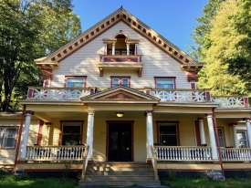 Main Street Victorian Beauty - Located at the base of Belleayre Mountain