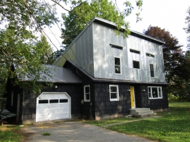 AT HOME IN ROXBURY - DESIRABLE CATSKILLS area